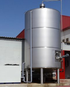 Blood storage tank